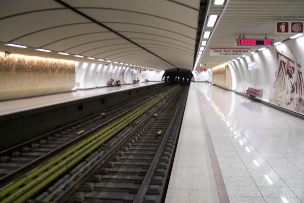 στάση, εργασίας,μετρό,