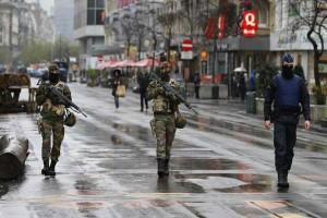 Βέλγιο, επίθεση, αστυνομικούς,